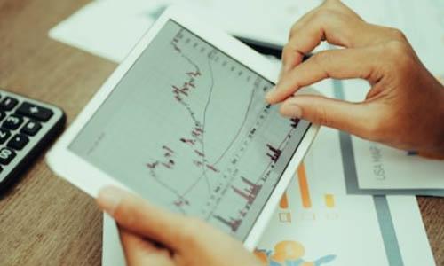 اکسپرت، یک رباط معامله گر است که جهت معاملات خودکار در متاتریدر از آن استفاده می شود